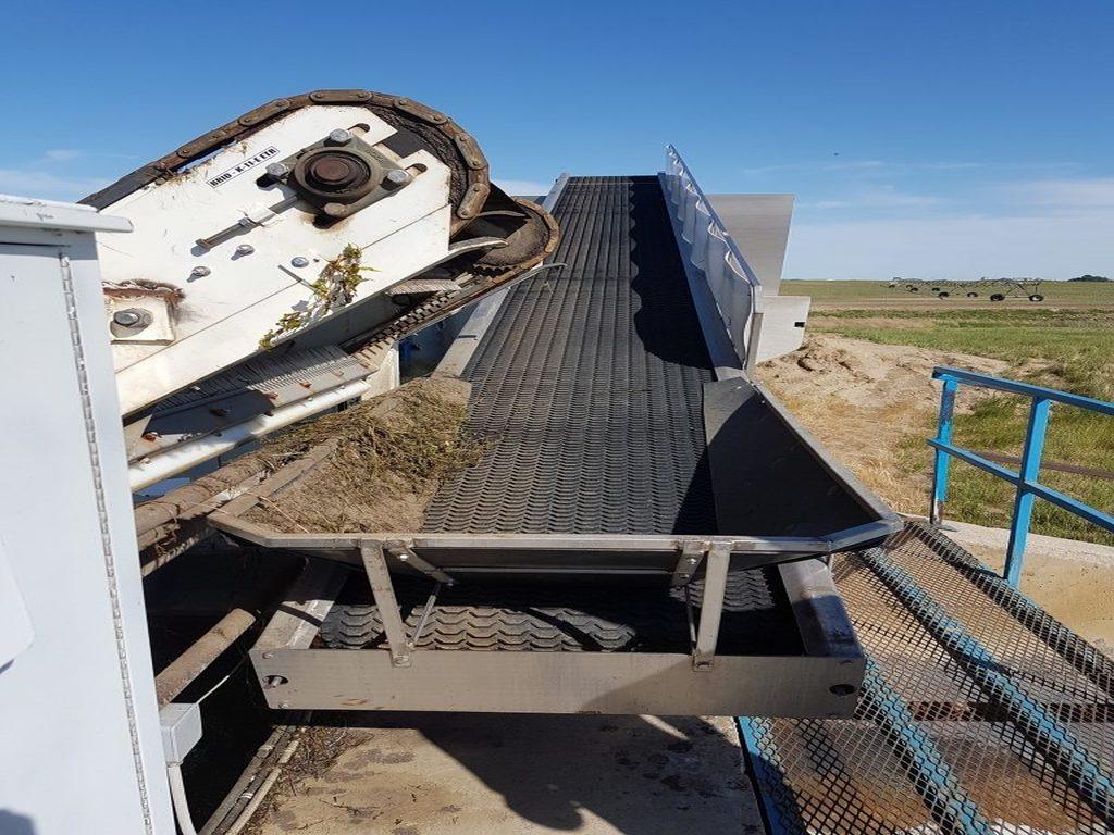 Conveyor-768x1024-cc-768x1024